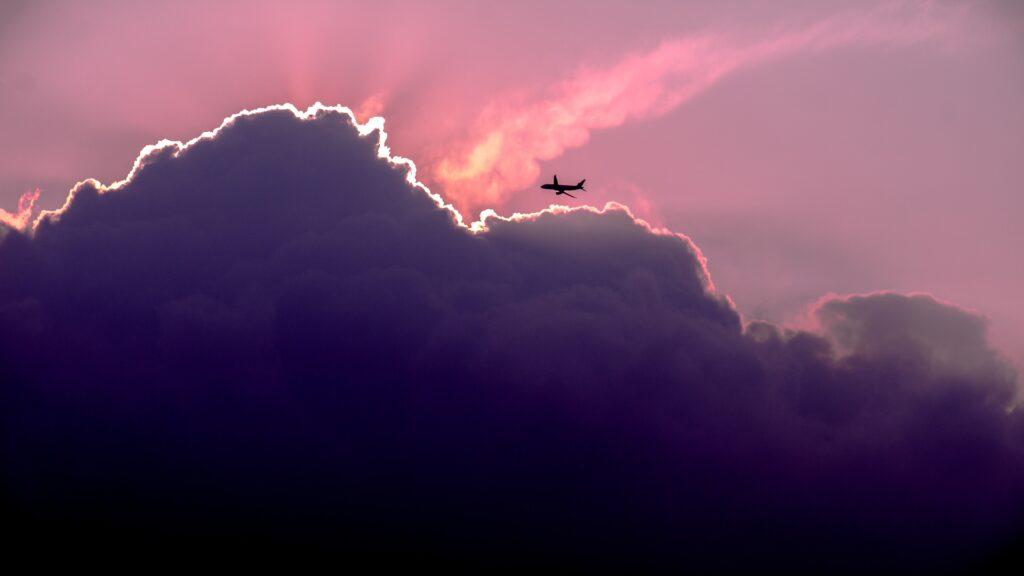 lucht vervuiling in vliegtuigen